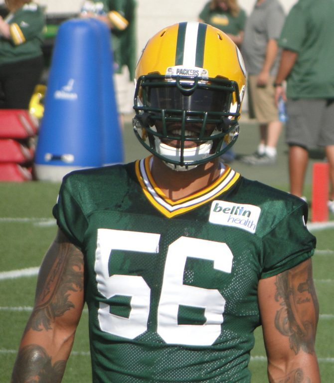 Julius_peppers_2014_cropped